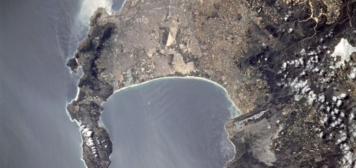 Astronaut_photo_of_Cape_Town_STS081-738-23